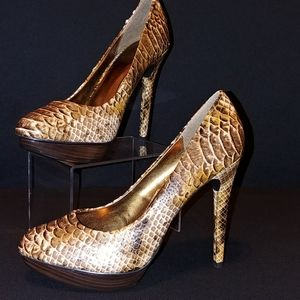 "BN (8) Baker's ""snakeskin"" look high heel"